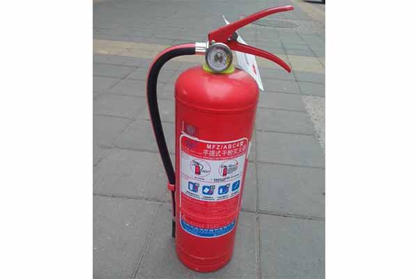消防箱里灭火器的种类有哪些?我们如何使用